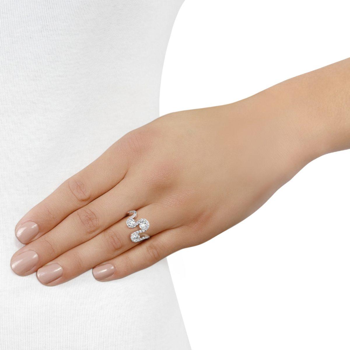 Meander White Gold Diamond Ring